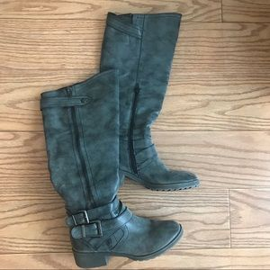 Grey boots with fun detail